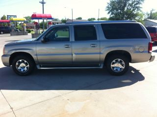2003 Cadillac Escalade Esv Sport Utility 4 - Door 6.  0l photo