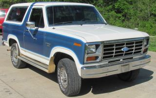 1985 Ford Bronco 4x4 photo