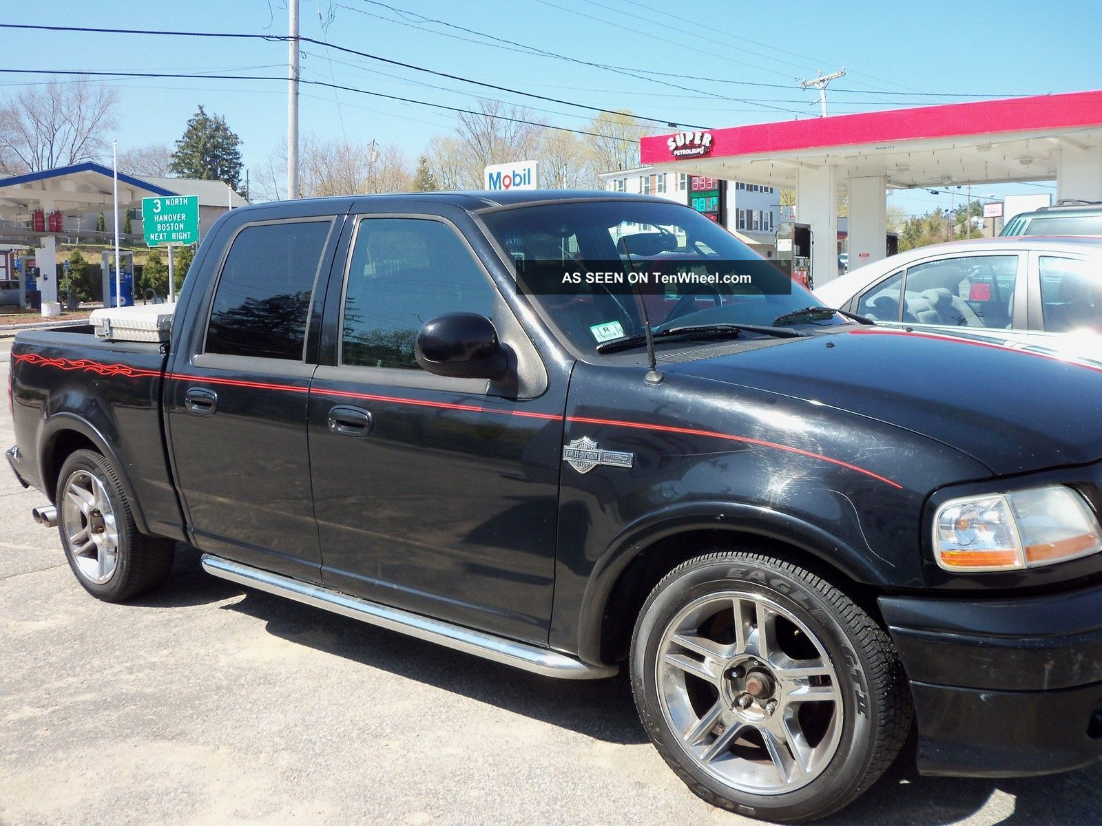 2002 Ford F - 150 Harley - Davidson Edition Crew Cab Pickup 4 - Door 5.  4l F-150 photo