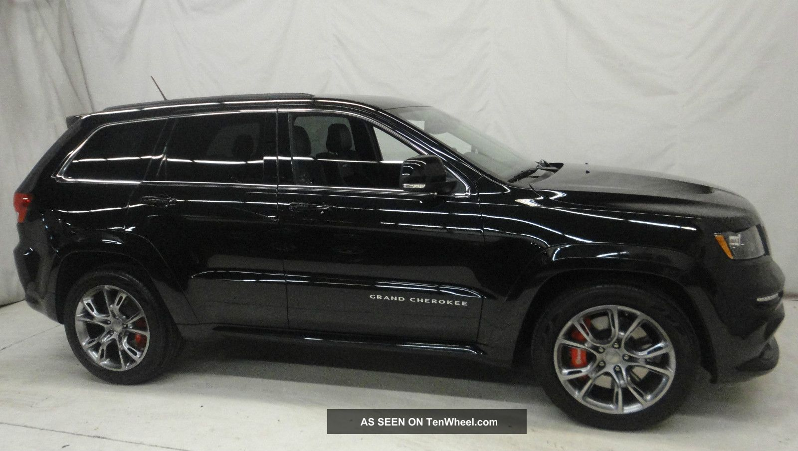2012 jeep grand cherokee srt8 4x4 cherokee photo 1. Cars Review. Best American Auto & Cars Review