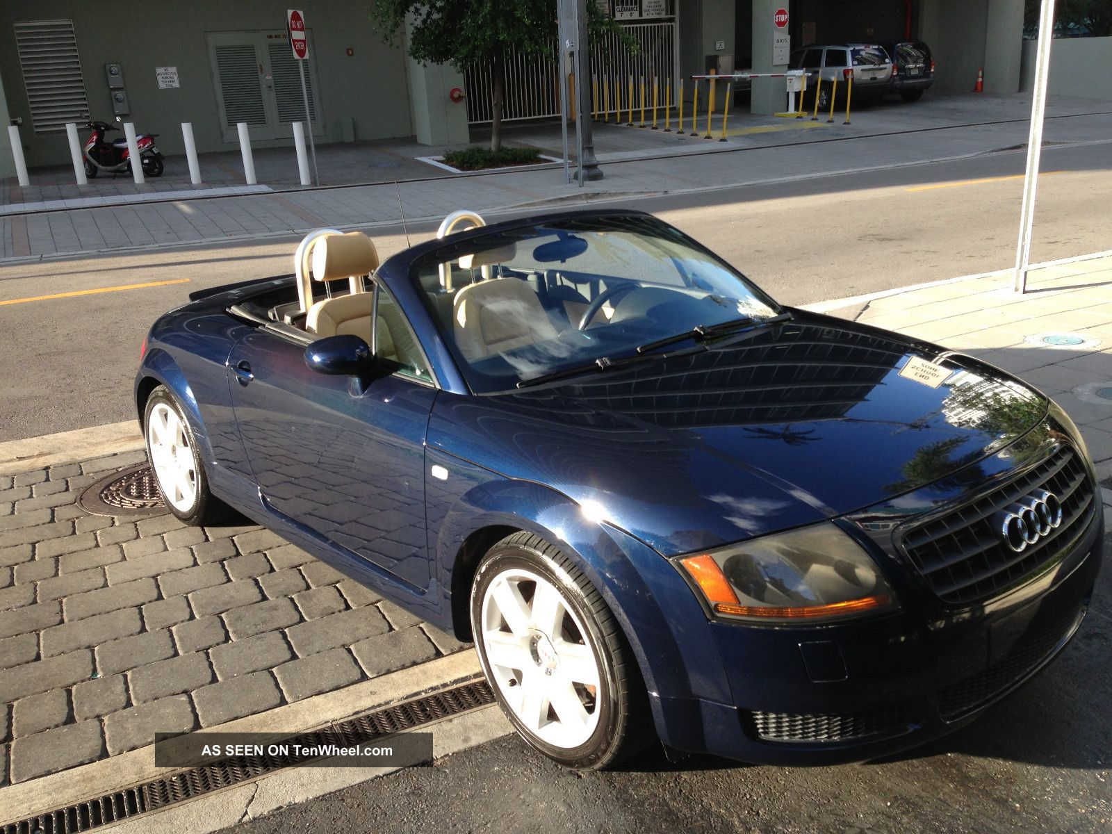 2005 Audi Tt Base Convertible 2 - Door 1.  8l TT photo