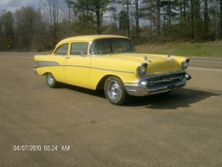 1957 Chevrolet Bel Air 2 Door Sedan Post photo