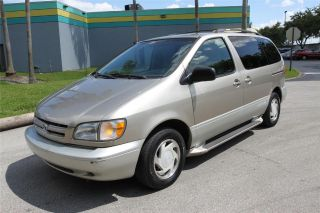 2000 Toyota Sienna Le Us Bankruptcy No Accidents photo