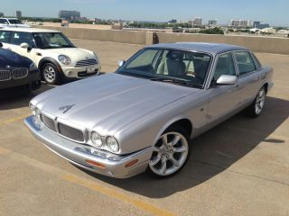 2002 Jaguar Xjr Supe Xjr Car Fax 4 - Door 4.  0l photo