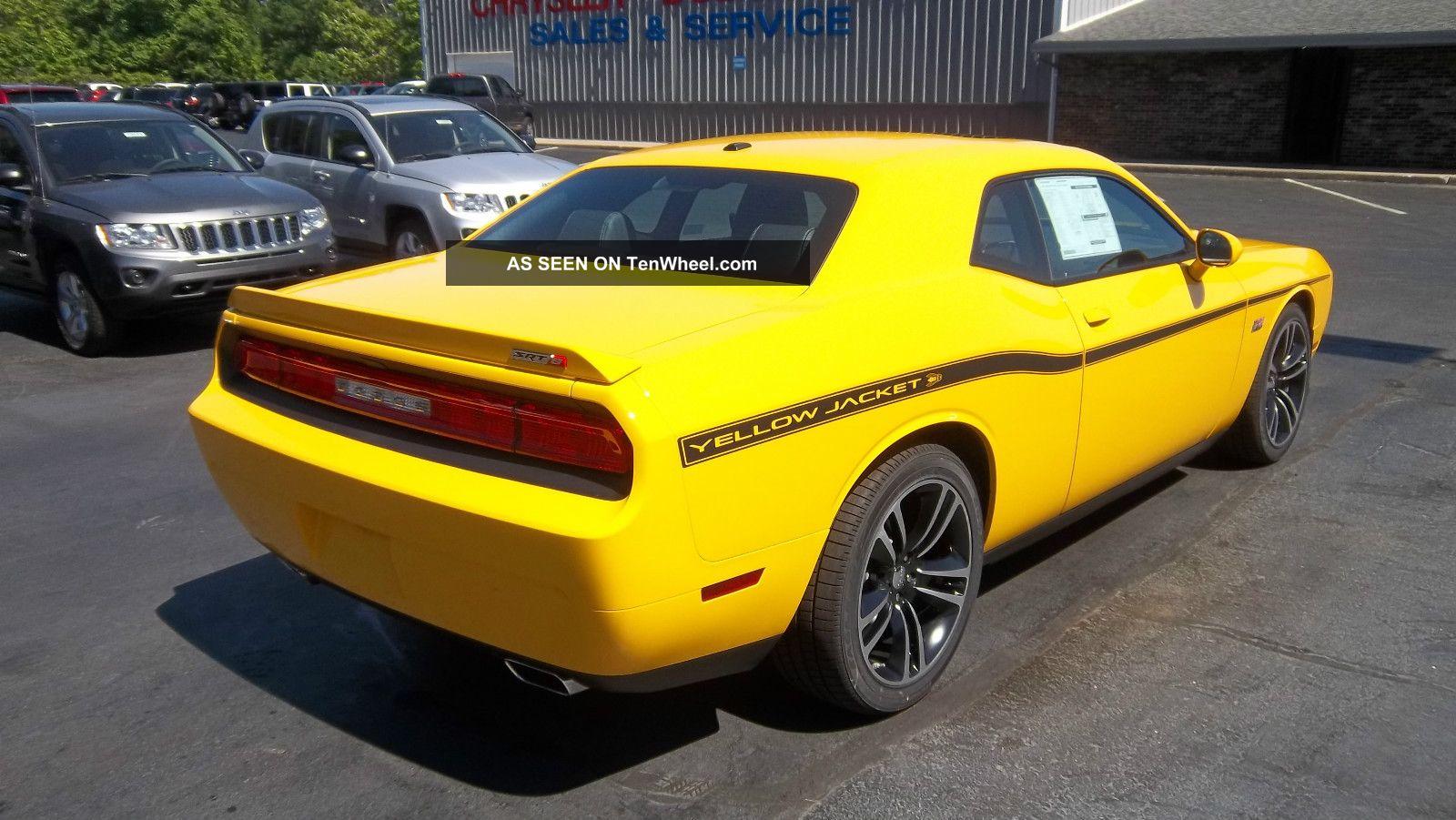 2012 Dodge Challenger Srt8 Yellow Jacket Stinger Yellow
