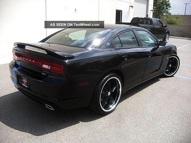 2012 dodge charger r t max hemi 22 wheels tires mopar 12 look stripe rims. Black Bedroom Furniture Sets. Home Design Ideas