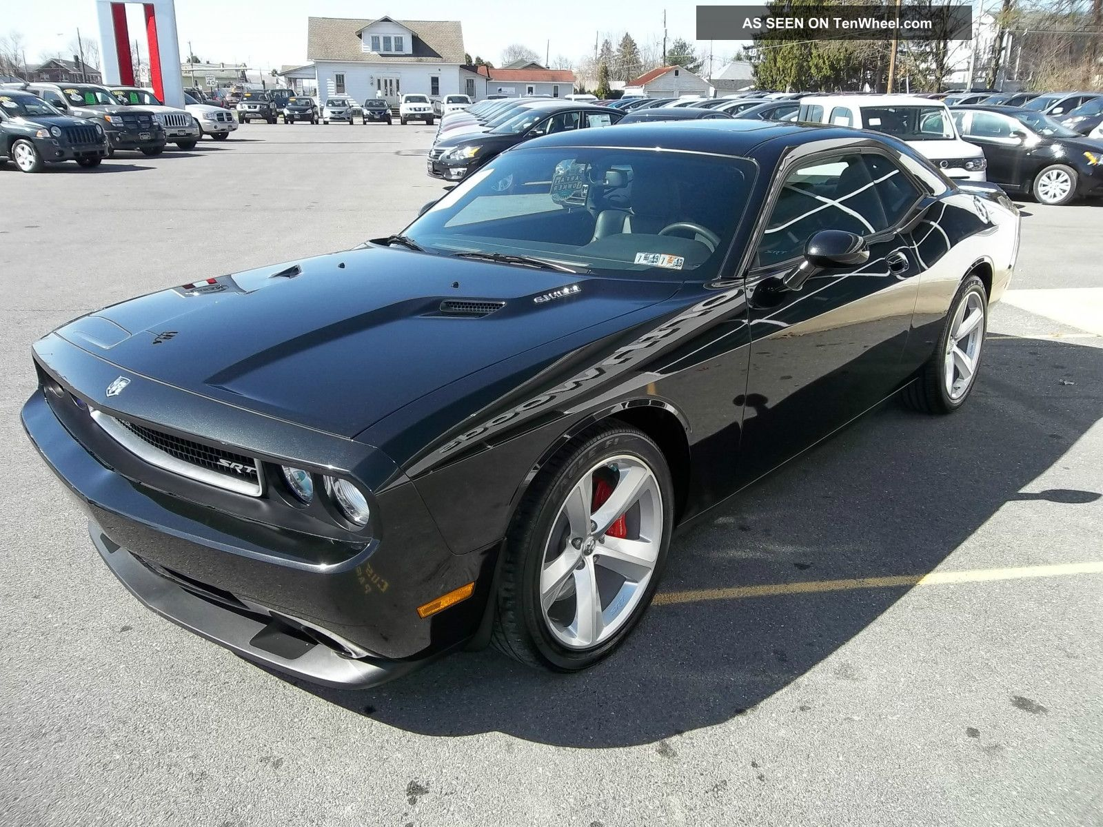 2010 dodge challenger srt8 coupe 2 door 6 1l. Black Bedroom Furniture Sets. Home Design Ideas