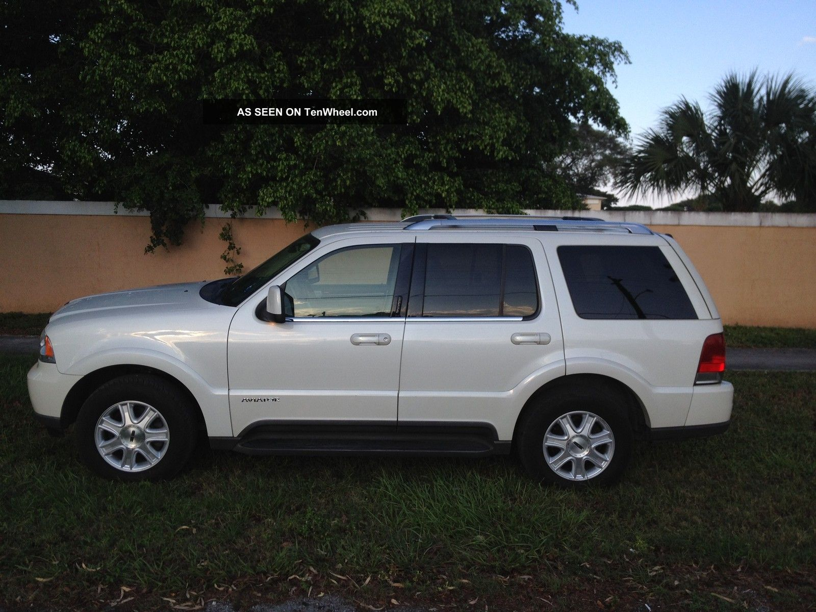 2003 Lincoln Aviator Aviator photo