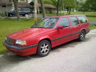 1997 Volvo 850 Glt Wagon 4 - Door 2.  4l - W / Oil Leak And Needs Suspension Work photo