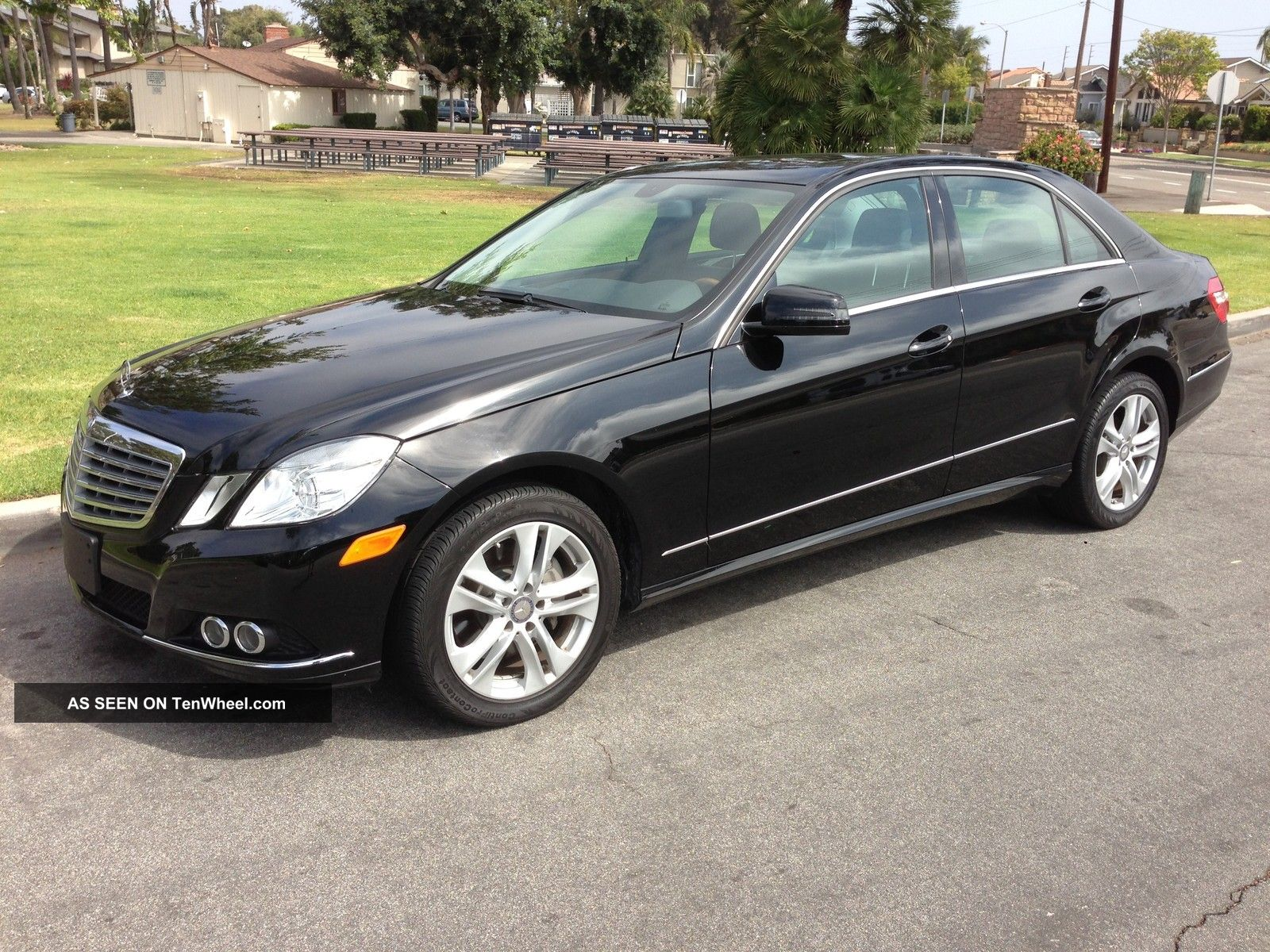 2011 Mercedes - Benz E350 Base Sedan 4 - Door 3.  5l E-Class photo