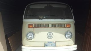 1973 Vw Bus photo