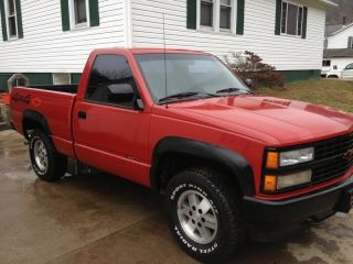 1991 Chevrolet C1500 Sport Fleetside Pickup 4x4 Red photo