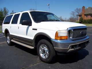 2000 Ford Escursion Limited 4x4. . .  V10. . . .  3rd Row Seating. .  Late Mdl Wheels photo