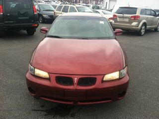2002 Pontiac Grand Prix Se Sedan 4 - Door 3.  1l photo
