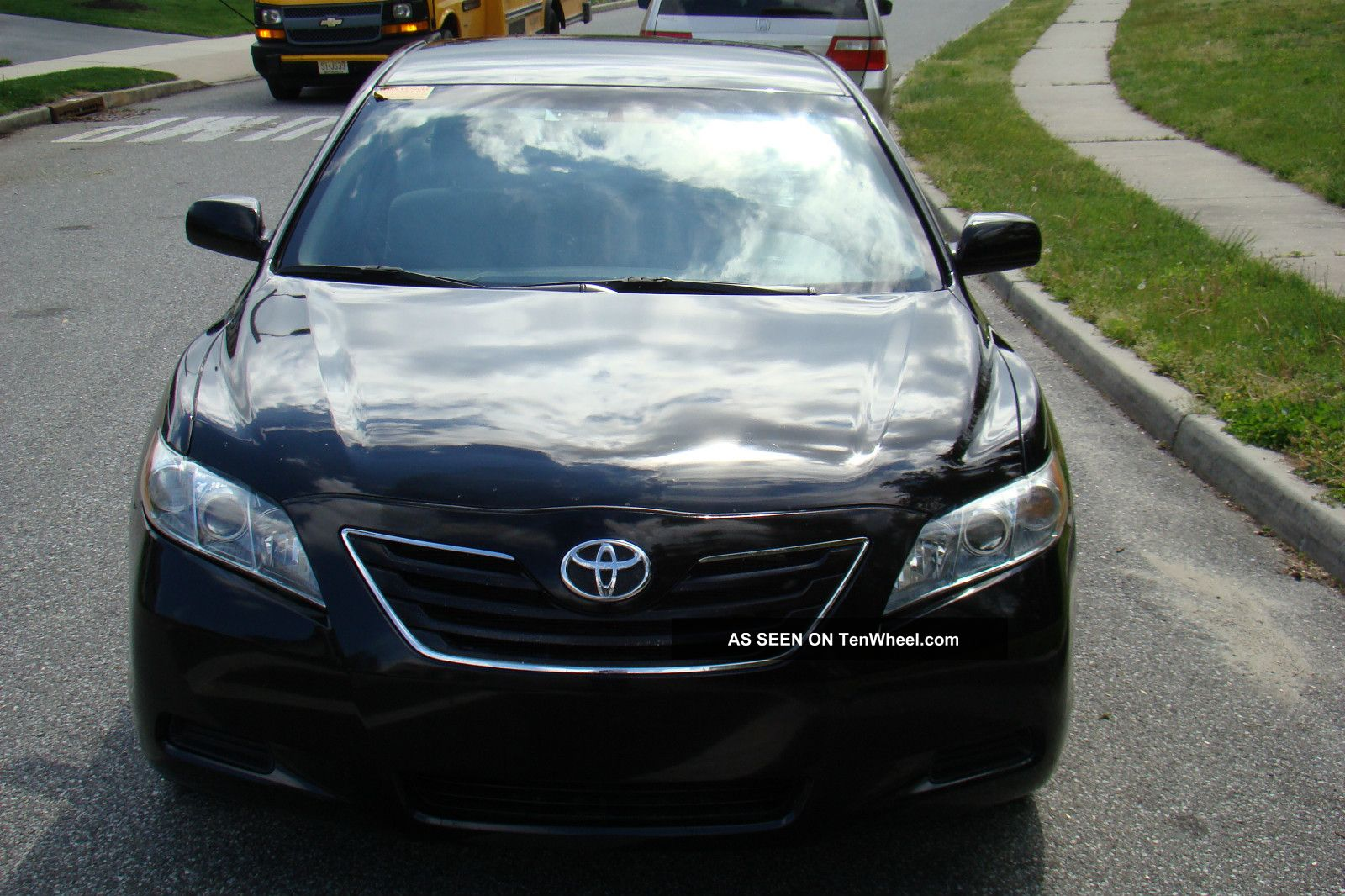 2009 Toyota Camry Hybrid Sedan 4 - Door 2.  4l Camry photo