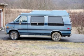 1989 Chevy Conversion Van With Ricon Wheelchair Lift photo