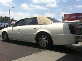 2000 Cadillac Deville Base Sedan 4 - Door 4.  6l photo