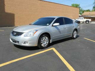 2011 Nissan Altima 2.  5 S photo