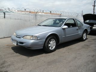 1995 Ford Thunderbird, photo