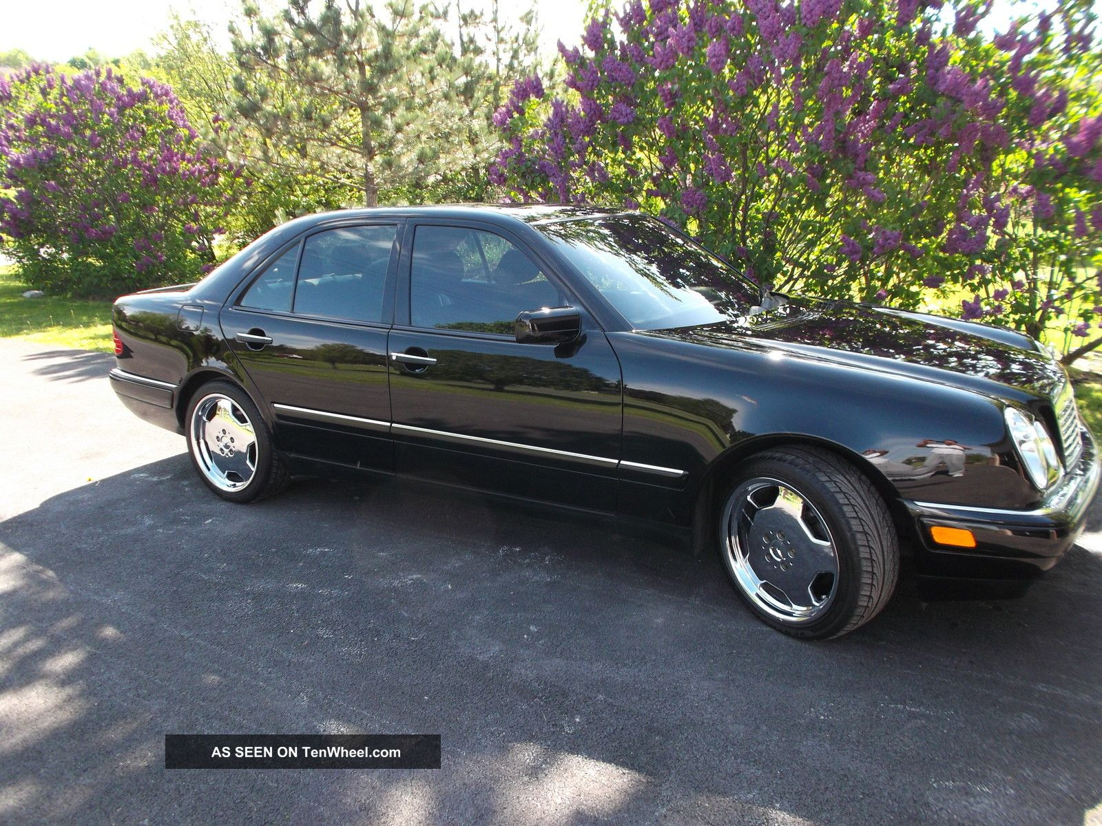 1997 Mercedes - Benz E420 Base Sedan 4 - Door 4.  2l E-Class photo