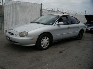 1998 Ford Taurus, photo