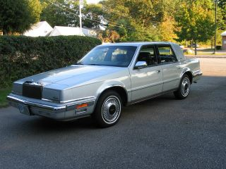 1989 Chrysler Yorker Landau Sedan 4 - Door 3.  0l Mark Cross Edition photo