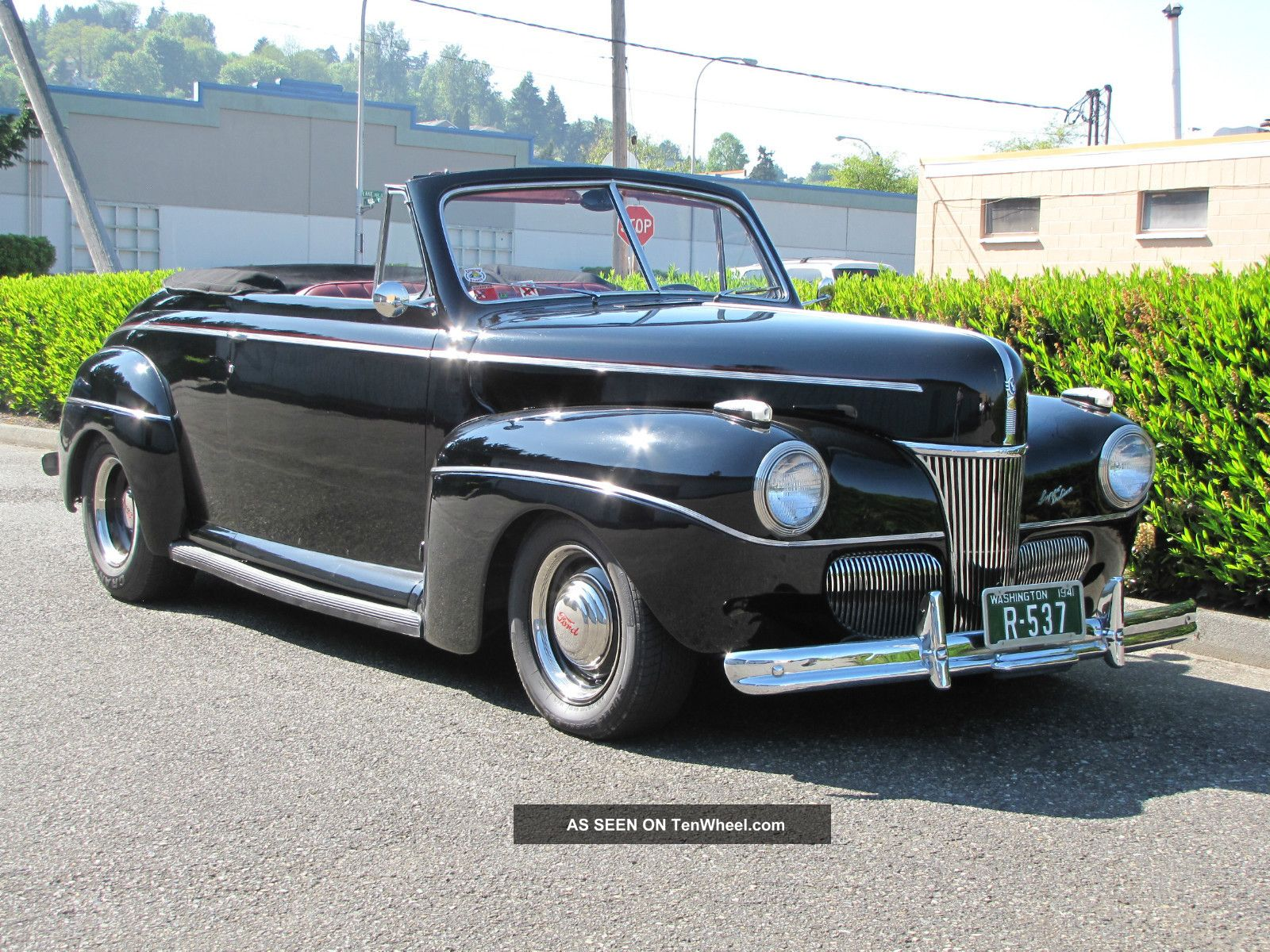1941 Ford Deluxe Convertible