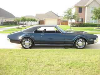 1967 Oldsmobile Toronado Deluxe photo