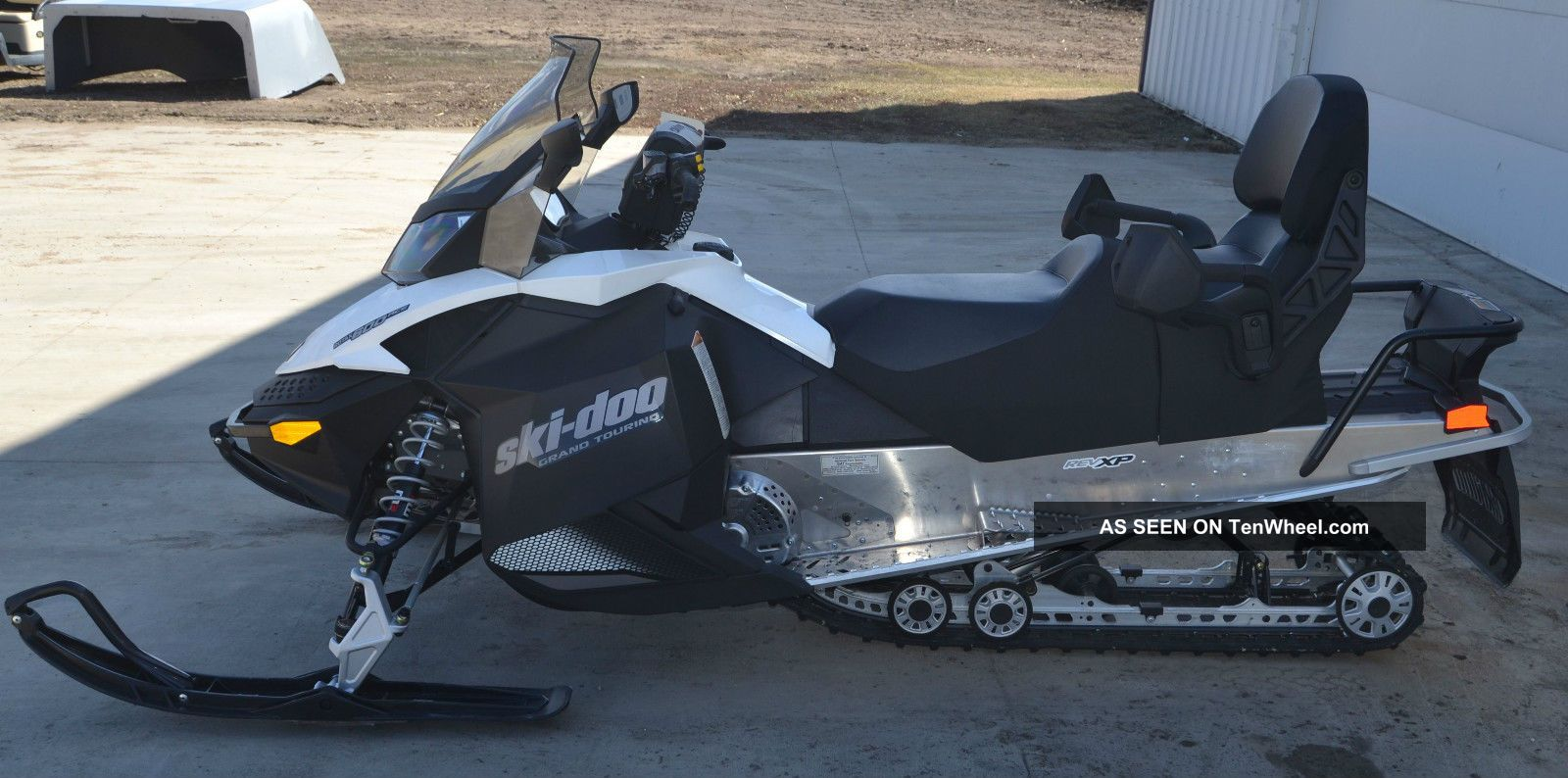 2013 Ski Doo Grand Touring HD Wallpapers Download free images and photos [musssic.tk]