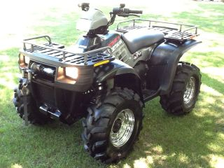 2002 Polaris Sportsman 700 photo