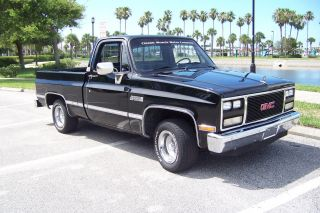 1984 Gmc Sierra Classic 1500 Pick Up Truck photo