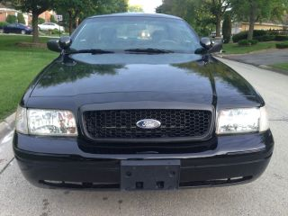2010 Ford Crown Victoria Police Interceptor Sedan 4 - Door 4.  6l photo