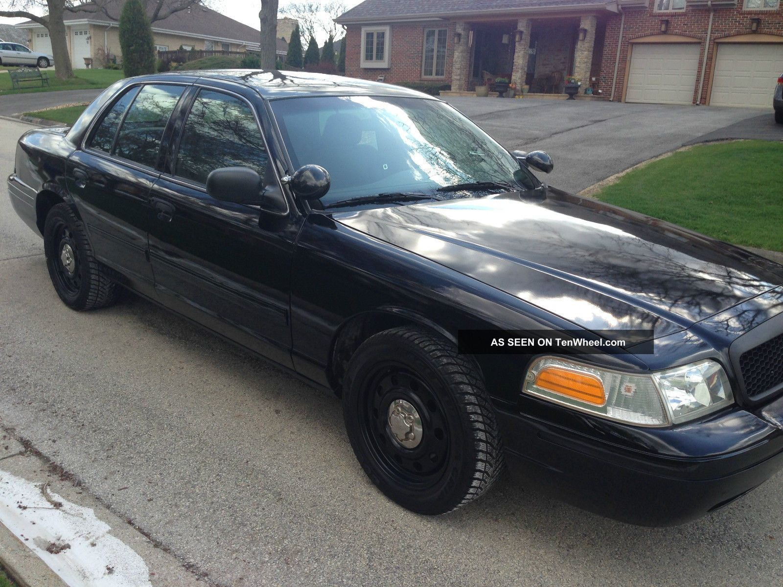 2010 ford crown victoria police interceptor sedan 4 door 4 6l. Black Bedroom Furniture Sets. Home Design Ideas