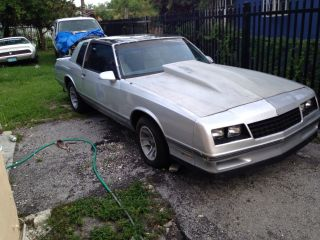 1987 Chevrolet Monte Carlo Ss Coupe 2 - Door 5.  0l photo
