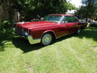 1966 Lincoln Continental 2 Door photo