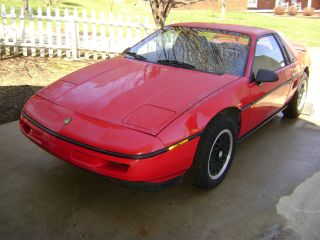 1988 Pontiac Fiero Formula Red photo