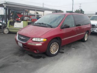1998 Chrysler Town And Country, photo