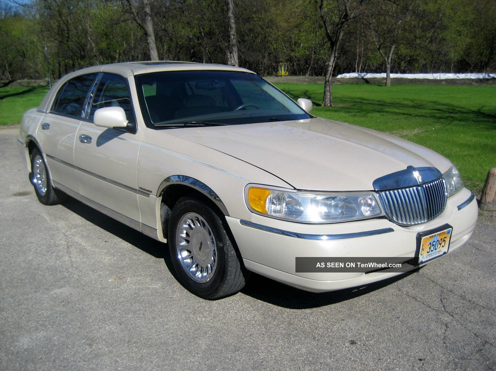 Lincoln Town Car Cartier Dr Sedan V Electronic Fuel Injection Lgw