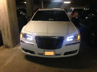 Chrysler,  Chrysler 300,  Limited,  2012,  White,  Chrysler 300 Limited photo