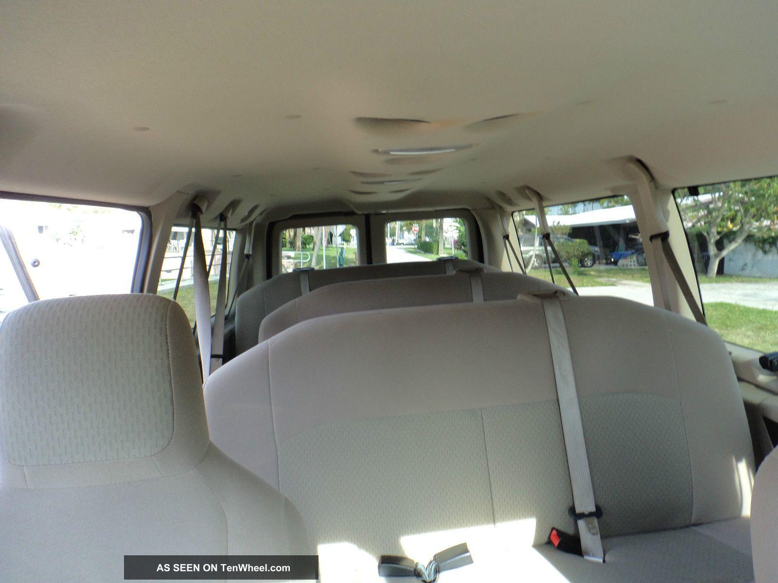 ford   duty xlt extended passenger van  door