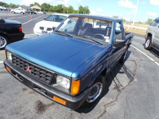 1990 Mitsubishi Mighty Max Base Standard Cab Pickup 2 - Door 2.  4l photo
