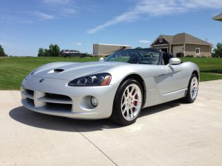 2003 Dodge Viper Srt - 10 Convertible 2 - Door 8.  3l photo