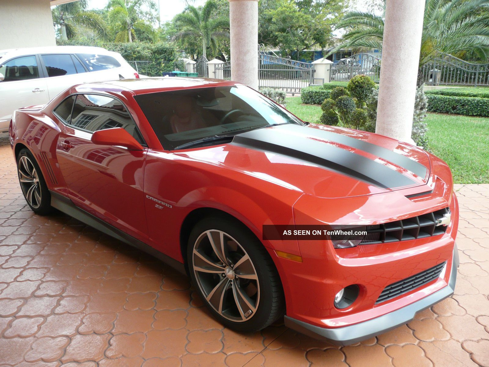 2010 chevrolet camaro specs 2 door coupe 2ss. Black Bedroom Furniture Sets. Home Design Ideas