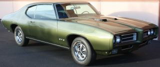 Rare 1969 Pontiac Gto Ram Air Iv 4spd 4.  33 Verdoro / Black Sold In Canada Phs photo