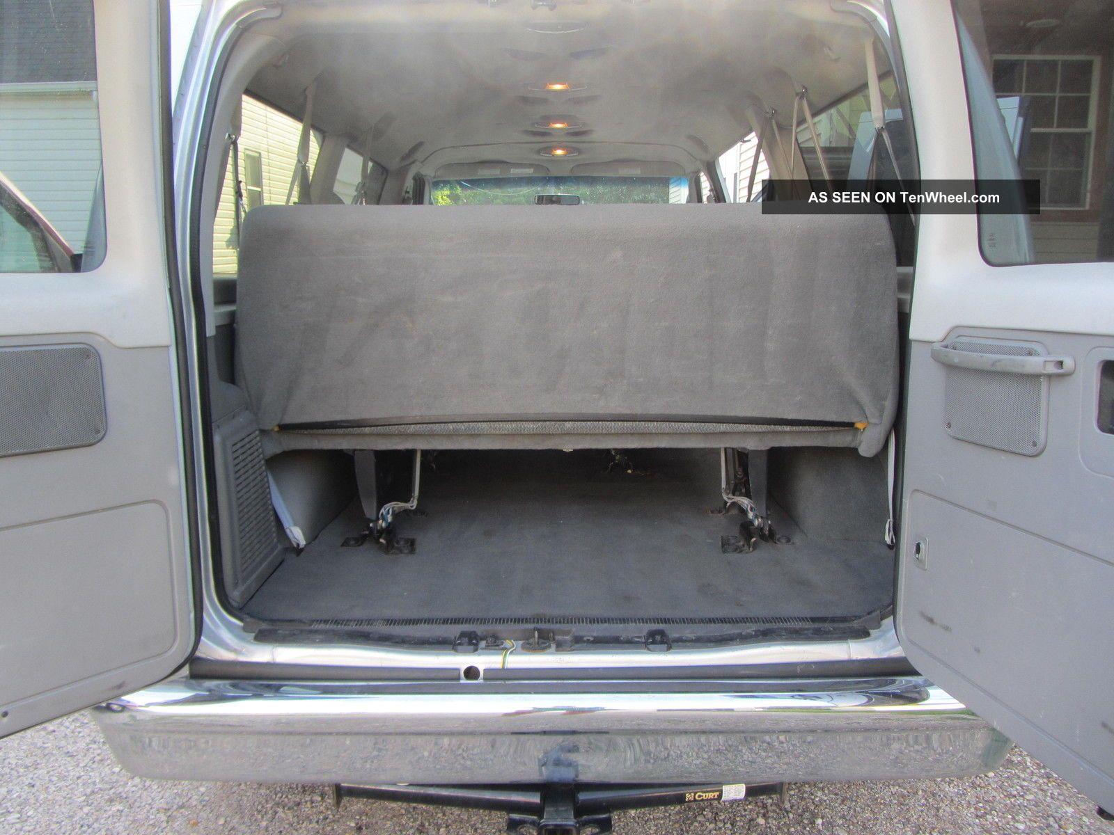 2006 Ford E350 Duty 12 Passenger Van