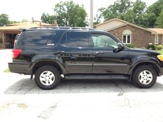 2002 Toyota Sequoia Limited Sport Utility 4 - Door 4.  7l photo