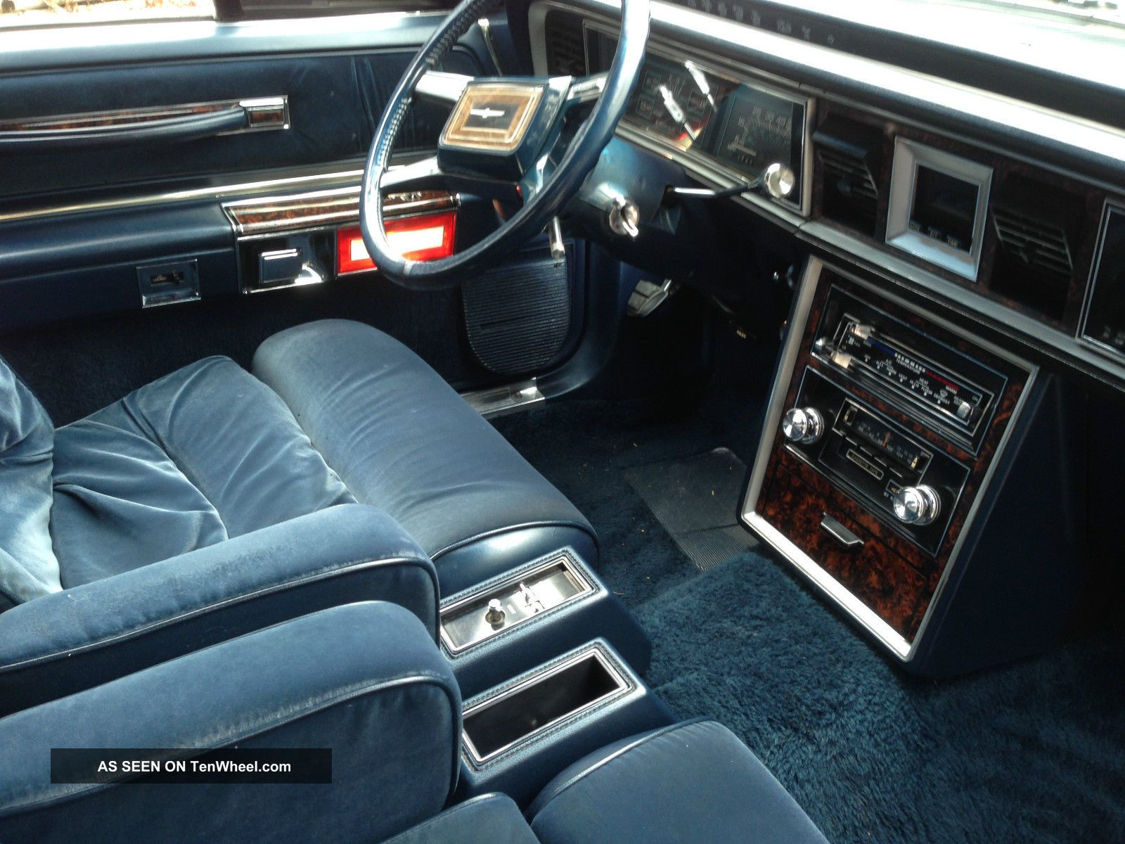 Ford Thunderbird Town Landau Lgw on 1982 Pontiac 4 Door