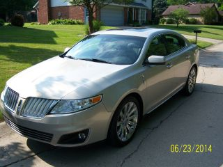 2009 Lincoln Mks V6 6spd Auto photo