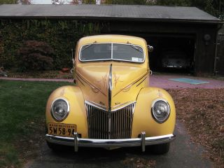 1932 Ford Deluxe Coupe photo