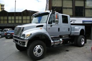 2005 International Cxt 7400 photo